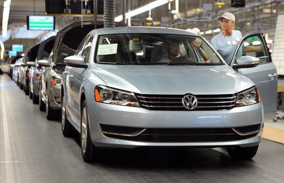 Produktion des amerikanischen Passtat-Modells im US-Werk Chattanooga in Tennessee: Konzernbetriebsratschef Osterloh sieht vor allem bei SUV und Pickups Lücken im US-Portfolio.