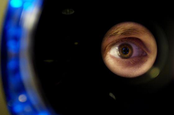 Sony hat einen sphärisch gebogenen Sensor für Digitalkameras entwickelt, wie er als Netzhaut auch im Inneren des menschlichen Auges sitzt.