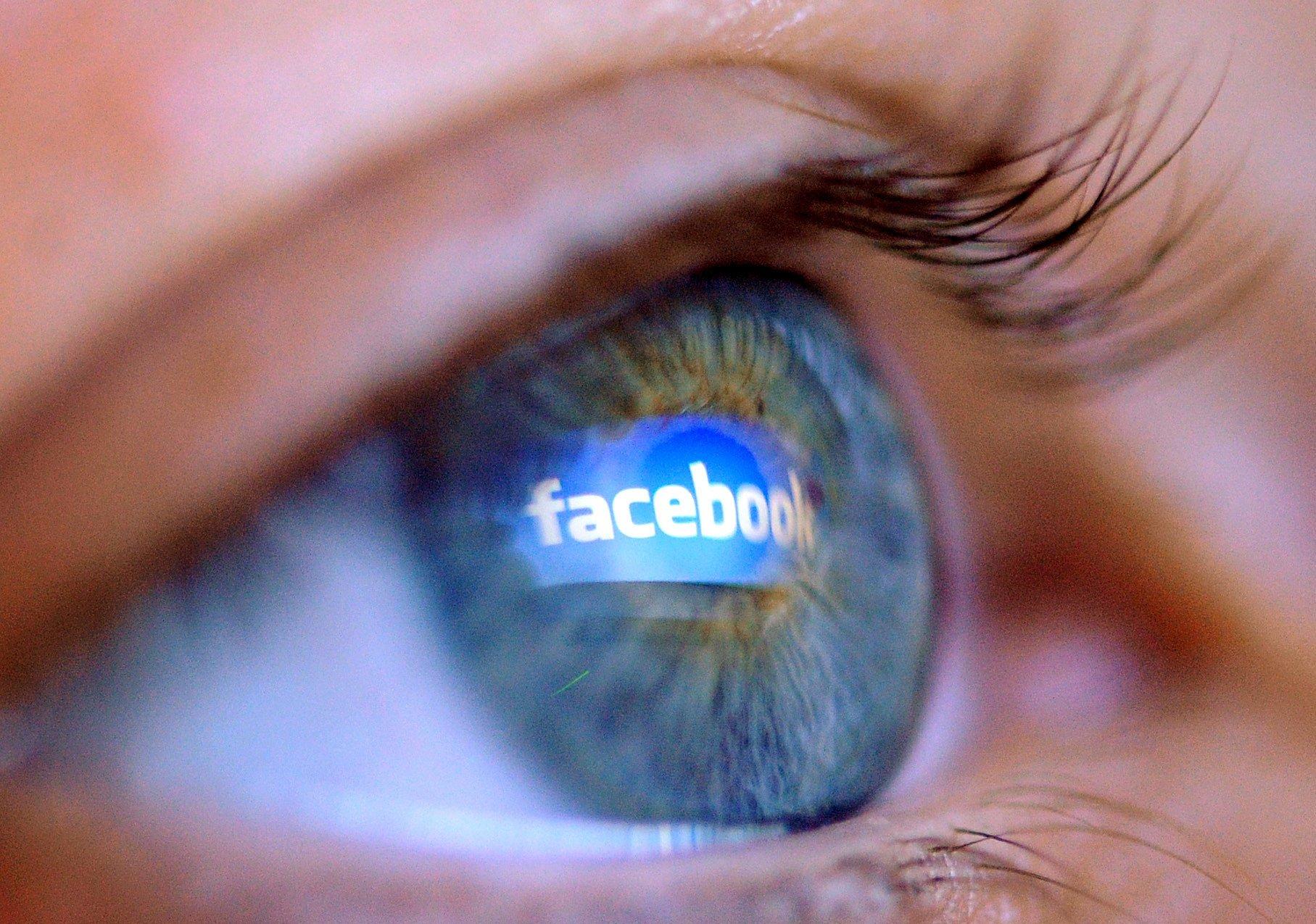 """In Großbritannien sind nach einer offiziellen Stellungnahme des Innenministeriums prinzipiell beinahe sämtliche Internetplattformen wie Facebook, Youtube oder Twitter Zonen """"externer Kommunikation"""" und somit nicht gesetzlich vor Überwachung geschützt."""