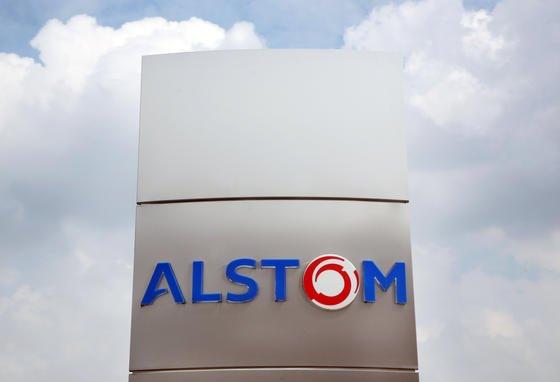 Während GE Alstom mit Joint Ventures lockt, erhöht Siemens sein Angebot um 1,2 Milliarden Euro auf 8,2 Milliarden Euro. Bis Montag soll sich der Verwaltungsrat nun entscheiden.