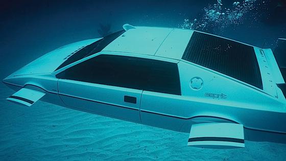 Im Film verwandelte sich der Lotus Esprit per Knopfdruck in ein Mini-U-Boot. In Wirklichkeit gab es für diese Szene zwei Fahrzeuge. Musk will die Transformation nun Wirklichkeit werden lassen.