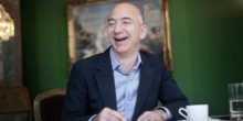 """Amazon-Chef Jeff Bezos stellt Smartphone """"Fire Phone"""" vor"""