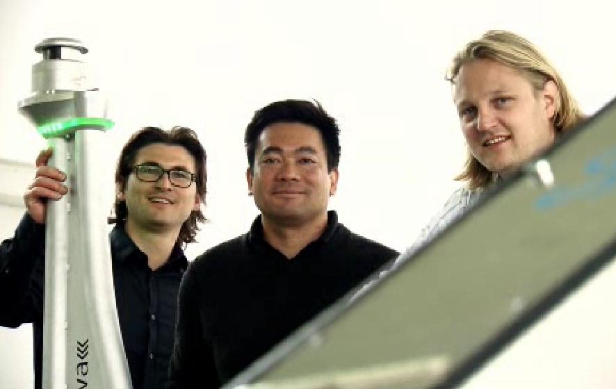 Die Serva-Gründer haben mit dem Düsseldorfer Flughafen ihr erstes Pilotprojekt umgesetzt. Ab Dienstag kommen dort drei Ray-Parkroboter zum Einsatz.
