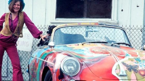 Janis Joplin kaufte den Porsche356 1600 SC Cabriolet1968 im Autohaus Estes-Zipper in Beverly Hills für 3500 $ und ließ ihn von RoadieDave Richards bemalen. Jetzt bezahlte ein Joplin-Fan 1,76 Millionen $ für das Auto.