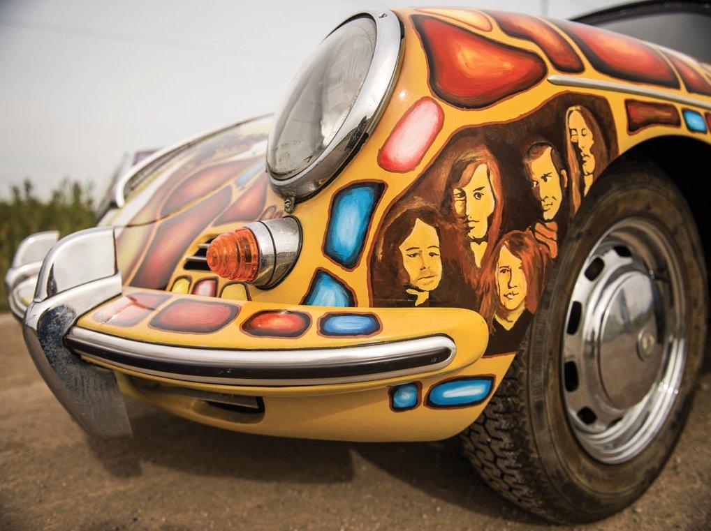 Der RoadieDave Richards erhielt 500 $ für die Bemalung des Porsches von Janis Joplin. Doch die Bilder machten das Auto zu einer Ikone. Im Bild zu sehen: Janis Joplins Band.