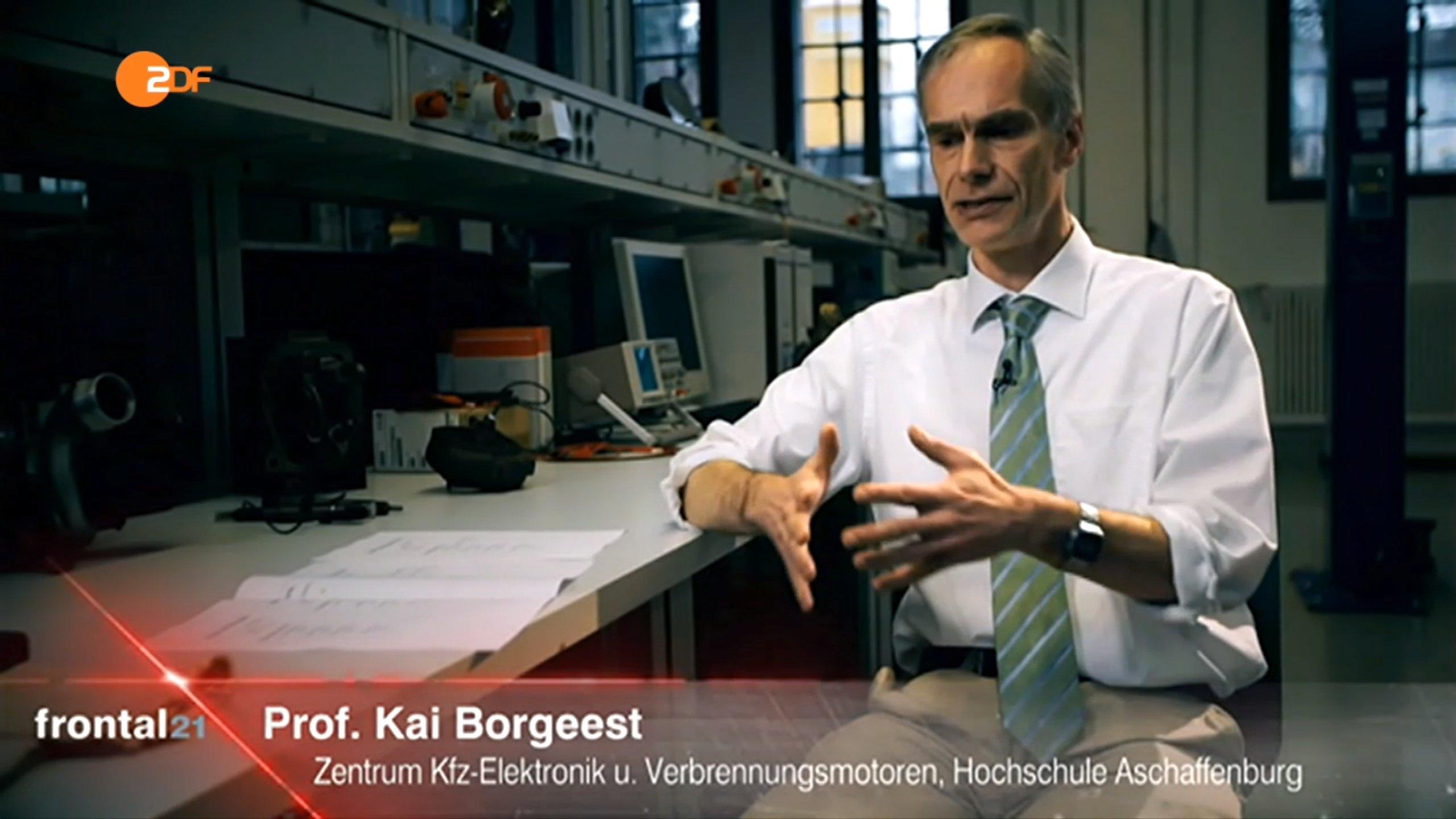 """Kai Borgeest, Professor am Zentrum für Kfz-Elektronik der Universität Aschaffenburg: """"Technisch ist es denkbar, dass auch die anderen Hersteller, die getestet wurden, Abschaltvorrichtungen in unterschiedlicher Art und Weise verwendet haben."""