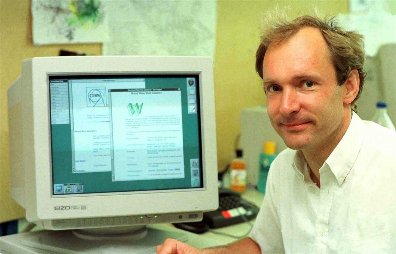 Er gilt als Erfinder des World Wide Web: Tim Berner-Lee im Jahr 1994 am CERN. Seine erste Webseite steht wieder im Netz.