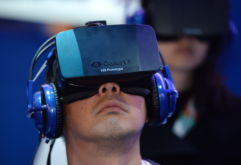 Spannend wird es auch in der Welt der Hersteller von VR-Brillen. Das Unternehmen Oculus ist erstmals mit einem Stand vertreten –die Fachwelt hofft auf die Präsentation des Consumer-Modells der Rift-Brille.