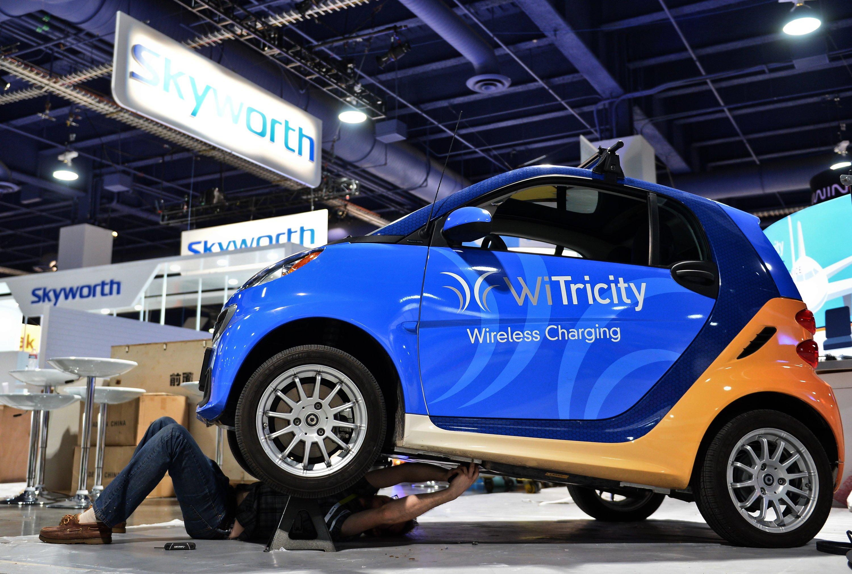 Auch schnurlose Ladetechnik für Elektroautos wird auf der Consumer Electronics Show (CES) in Las Vegas präsentiert. Die Messe dauert vom 6. bis 9. Januar.