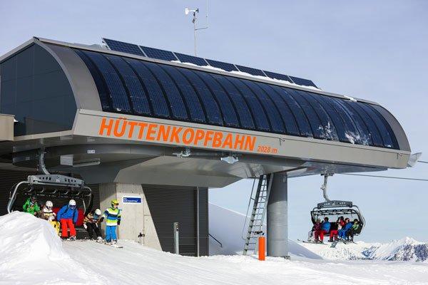 Betreiber der Hüttenkopfbahn sind die Illwerke, die zu den größten Stromversorgern Österreichs zählen. Sie haben 8,5 Millionen Euro in die Fotovoltaik-Sesselbahn investiert.