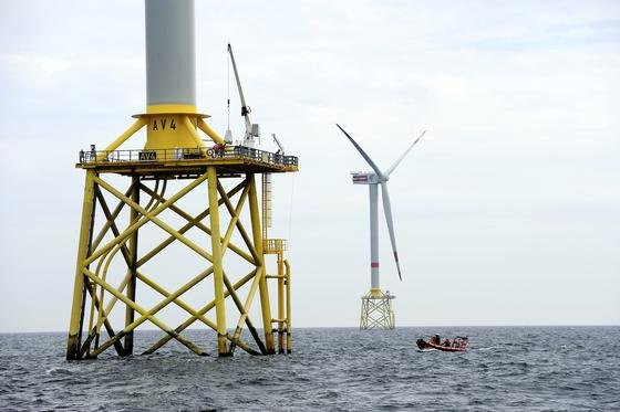Windpark alpha ventus in der Nordsee: Um besser angepasste Fundamente in den Meeresboden bauen zu können, haben Bremer Forscher ein verbessertes Messverfahren für die Bodenbeschaffenheit im Meer entwickelt.