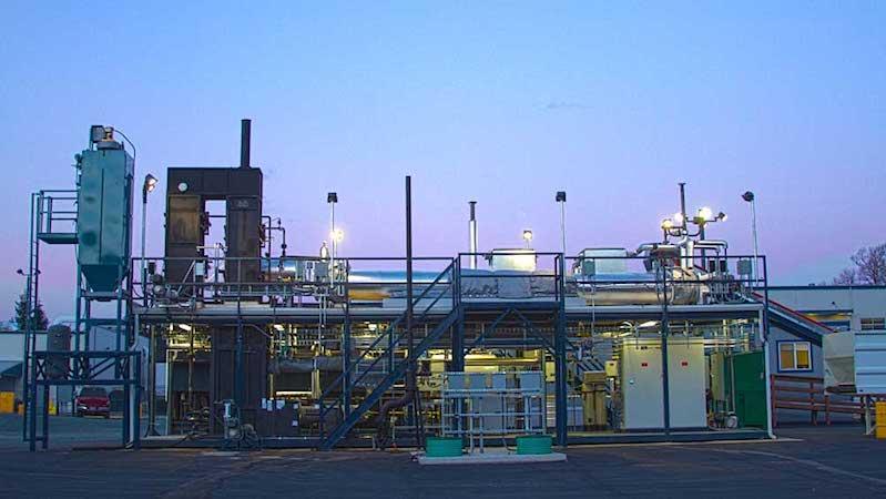 Omni Processor von Janicki: Pro Tag produziert die Anlage mehr als 10.000 Liter Trinkwasser, das aus Abwasser gewonnen wird.