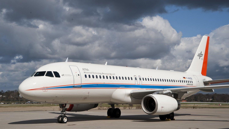 Das Forschungsflugzeug Atra des DLR ist eine umgebaute Airbus A320.