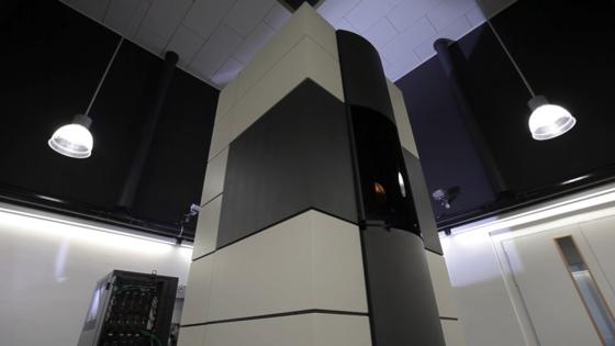 Das Elektroenmikroskop PICOerreicht eine Rekordauflösung von 50 Milliardstel Millimetern und ermöglicht Anwendern aus Wissenschaft und Industrie, atomare Strukturen in größtmöglicher Genauigkeit zu untersuchen. Es wurde jetzt auch eingesetzt, um neue Erkenntnisse zu gewinnen, mit denen sich die Lebensdauer neuartiger platinarmer Nanokatalysatorenverbessern lässt.