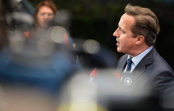 Der britische Premier David Cameron will nach einem möglichen Wahlsieg keine verschlüsselten Nachrichtendienste wie WhatsApp mehr zulassen. Der Geheimdienst soll alle Nachrichten mitlesen können.