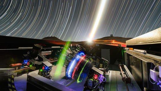 Die NGTS-Teleskope am Paranal-Observatorium der ESO im Norden Chiles haben ihr erstes Licht gesehen. Sie sollen insbesondere Planeten mit einem Durchmesser zwischen dem doppelten und dem achtfachen Erddurchmesser entdecken. Von deutscher Seite ist das Institut für Planetenforschung des Deutschen Zentrums für Luft- und Raumfahrt (DLR) an diesem Projekt beteiligt.