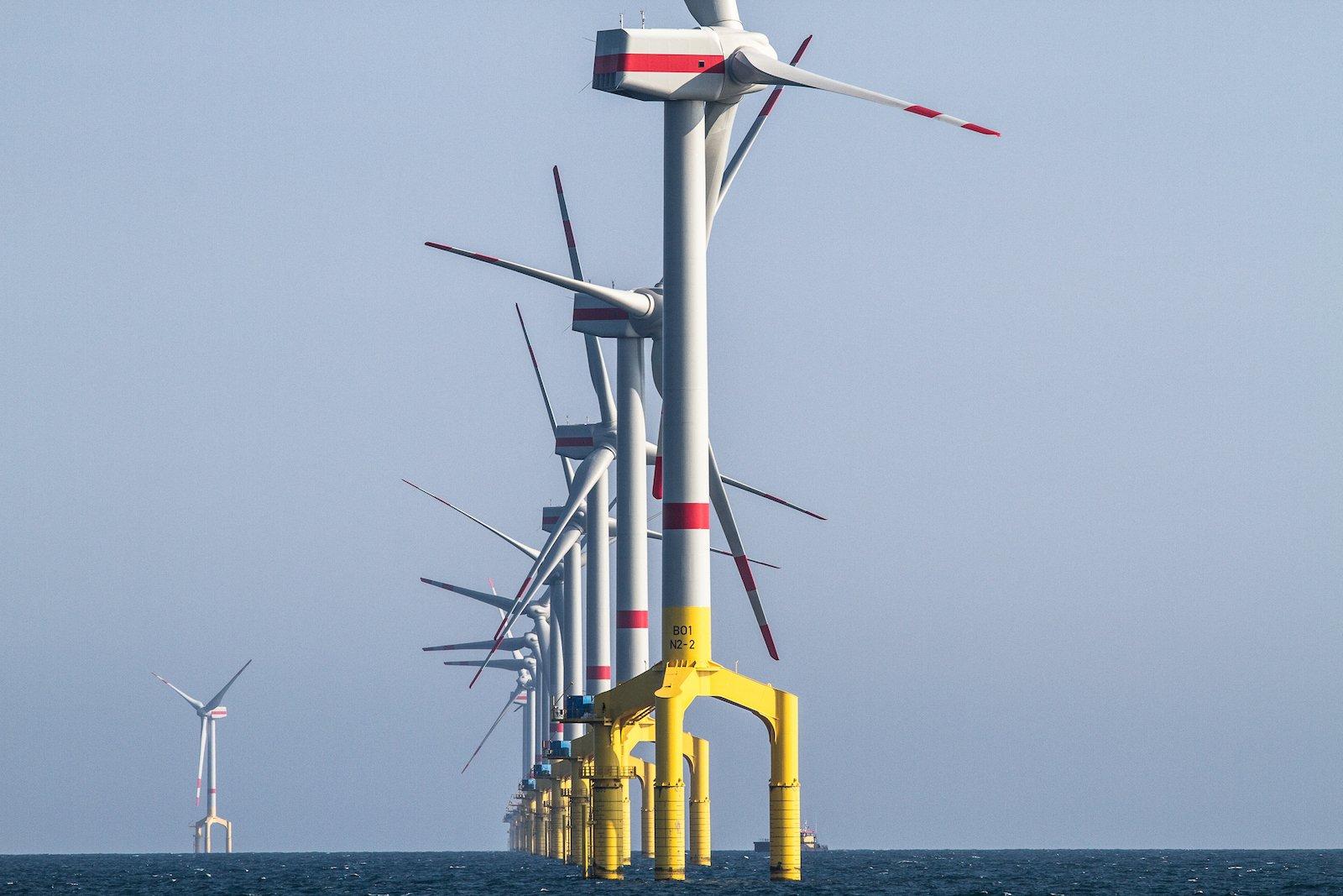 Das deutsche Offshore-Vorzeigeprojekt BARD 1 besteht aus 80 Windrädern mit einer Leistung von 400 Megawatt.