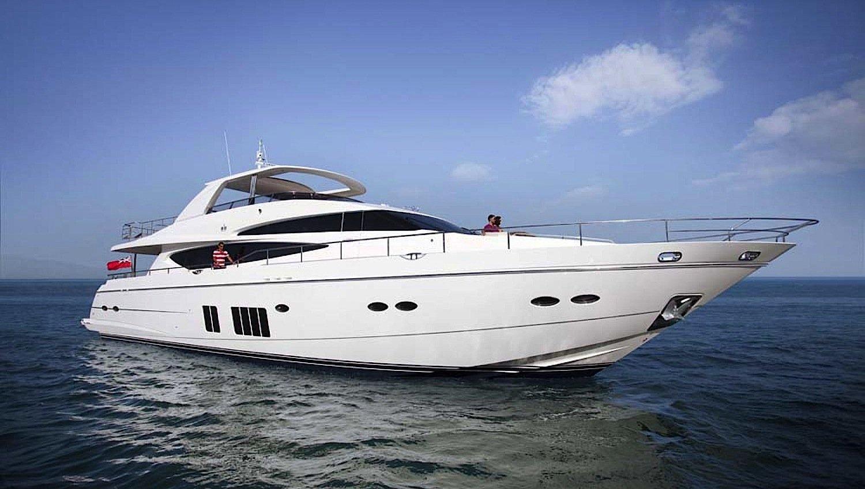 Die 30 Meter lange Prinzess Princess 98, die auf der Boot 2015 zu sehen ist, hat schon einen neuen Besitzer: Ein reicher Engländer hat die Luxusjacht für 7,3 Millionen Euro gekauft.