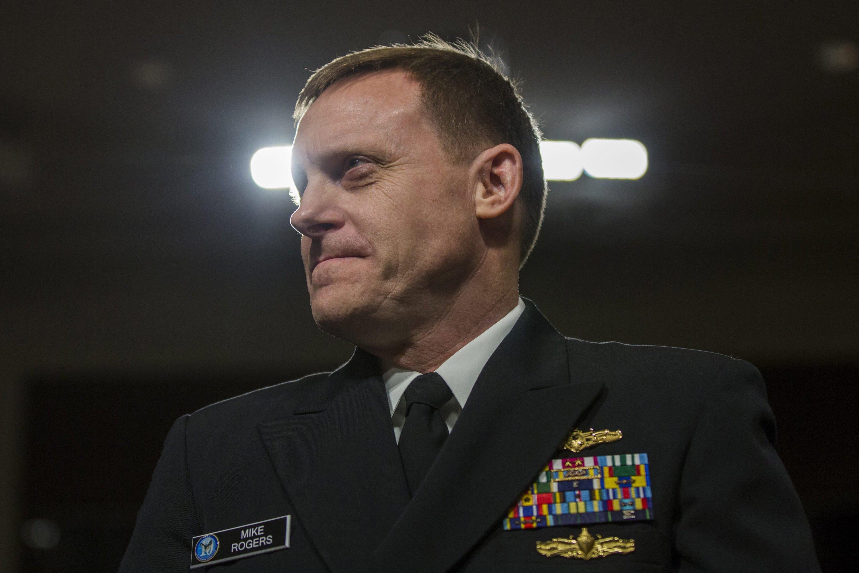 Admiral Mike Rogers ist nicht nur Direktor der NSA, sondern auch Cyber Command der US-Streitkräfte. Er gibt somit bei den Cybertruppen der U.S. Army, des Marine Corps und der Air Force den Ton an.