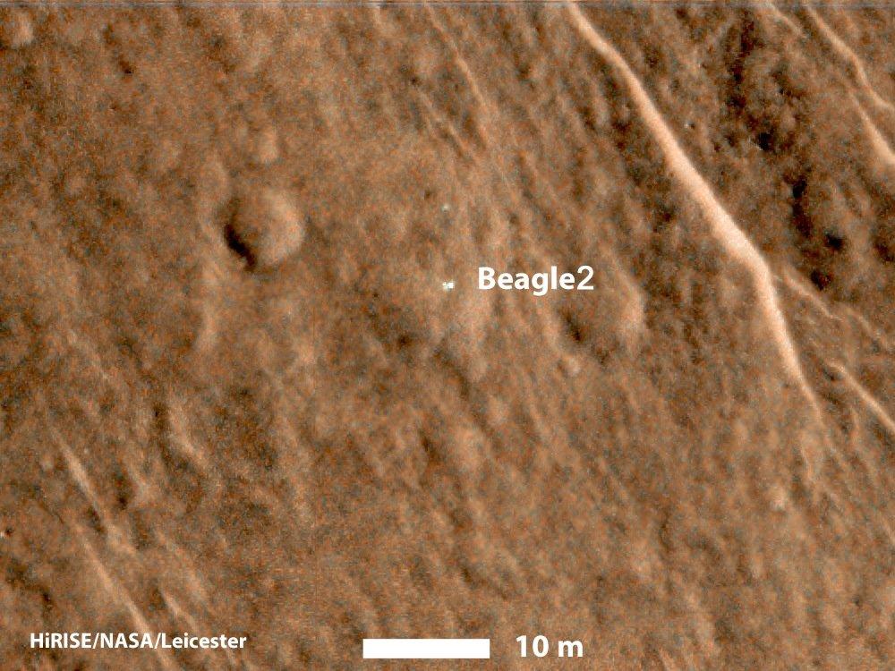 Eigentlich kaum zu erkennen: Forscher der NASA und der Universitäten von Arizona und Leicester entdeckten jetzt auf Aufnahmen die seit 2003 vermisste ESA-Sonde