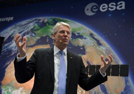 ESA-Chef Thomas Reiter hat am 21. Januar in Darmstadt die Pläne der Europäischen Raumfahrtagentur für 2015 vorgestellt. Mangels Geld können nicht alle Projekte wie gewünscht umgesetzt werden.