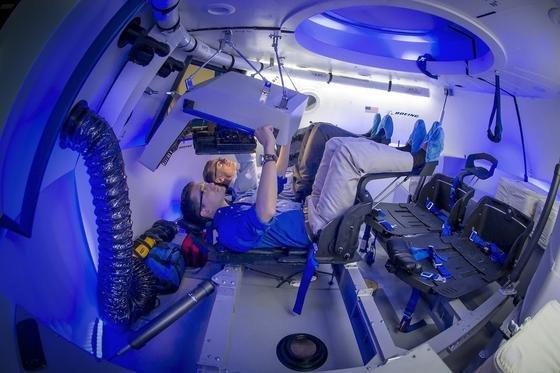 Noch am Boden: Aber schon im Sommer 2017 soll die von Boeing entwickelte Raumkapsel CST-100 erste unbemannte Testflüge durchführen. Reguläre Boeing-Flüge zur ISS sind ab Dezember 2017 vorgesehen.