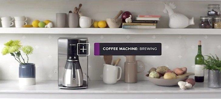 Die smarte Luna kann auch in der Küche umgehend Kaffee bestellen, wenn der Schläfer das Bett verlässt.
