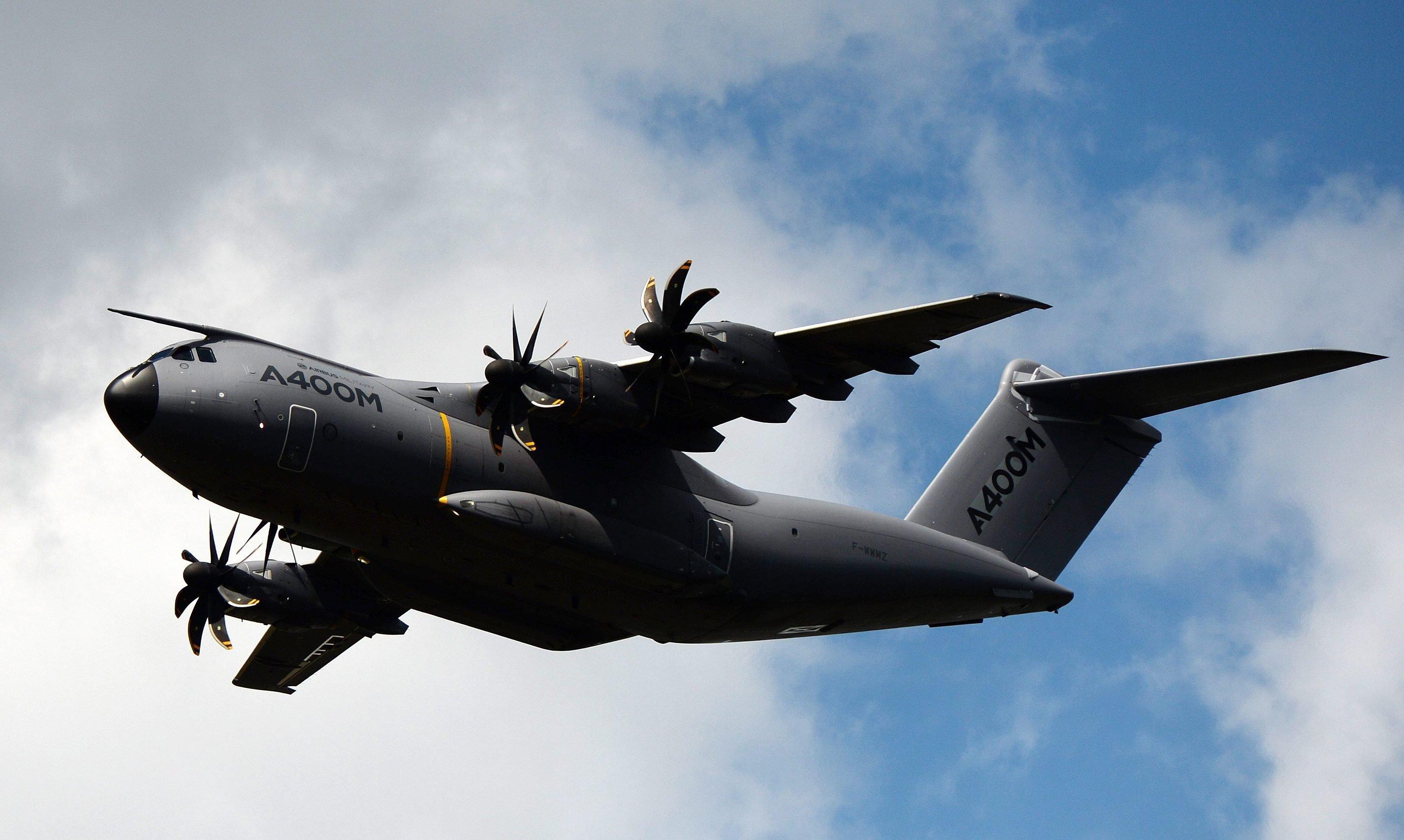 Ein Problem der A400M: In großer Flughöhe wird es in der Maschine zu kalt. Die Laderampe des Militärtransporters kann außerdem nur drei Tonnen Gewicht tragen – gefordert waren 4,5 Tonnen.