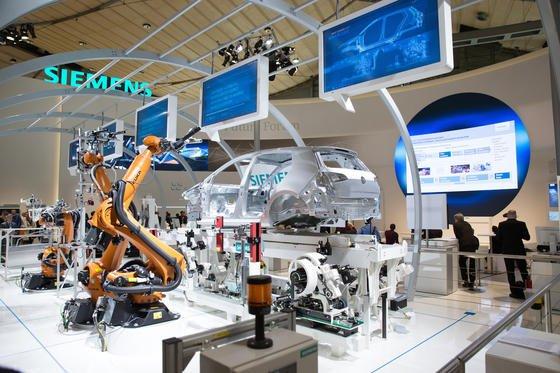 Die Industrie treibt dieEntwicklung hin zu intelligenten Fabriken voran.