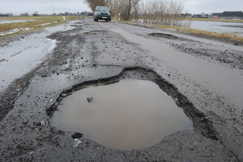 Schäden an Autos durch plötzlich auftretende Fahrbahnschäden ziehen oft Schadensersatzansprüche nach sich, die Behörden Millionen kosten. Das neue Scannersystem soll Abhilfe schaffen.