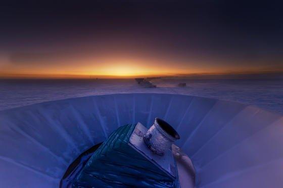 Forscher hatten geglaubt mit Aufnahmen des Teleskops Bicep2 einen ersten direkten Beleg für das blitzartige Ausdehnen des Alls gefunden zu haben.