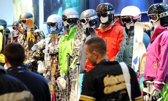 Die weltgrößte Sportartikelmesse Ispo erwartet 81.000 Besucher aus über 109 Ländern.Auf 180.000 Quadratmetern präsentieren 2585 Aussteller neue Sportprodukte.