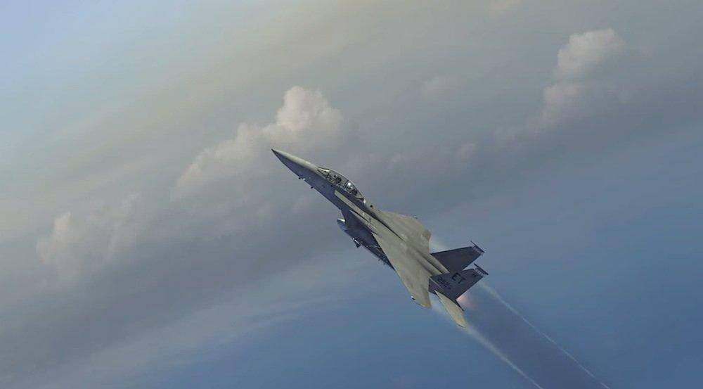 Der Kampfjet startet und schießt steil in den Himmel. In einigen Kilometern Höhe entkoppelt er das Trägersystem und dreht ab.