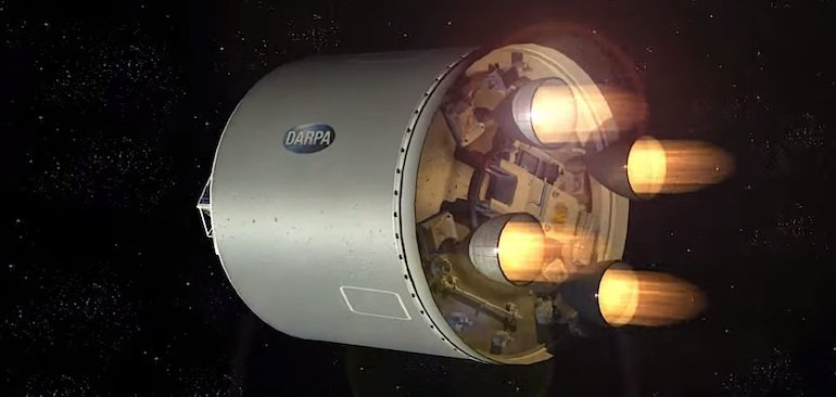 Die zweite Raketenstufe bringt das Trägersystem in Position.