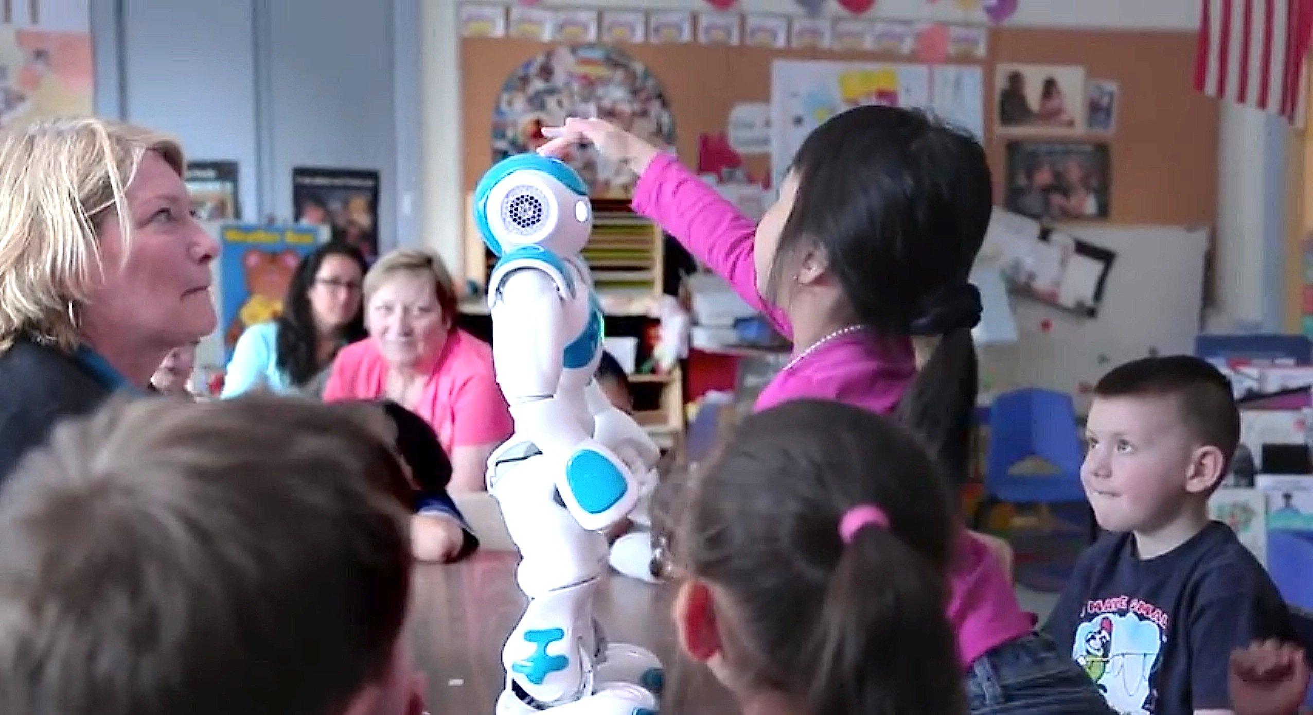 Nao soll sogar in Schulklassen eingesetzt werden, um das Lernen zu unterstützen.