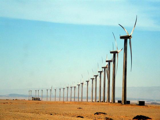 Zafarana am Roten Meer in Ägypten ist mit 700 Windrädern der größte Windpark Afrikas. Obwohl Ägypten weltweit über die besten Standorte für Windkraft und Photovoltaik verfügt, setzt das Land nun auf Atomkraft.