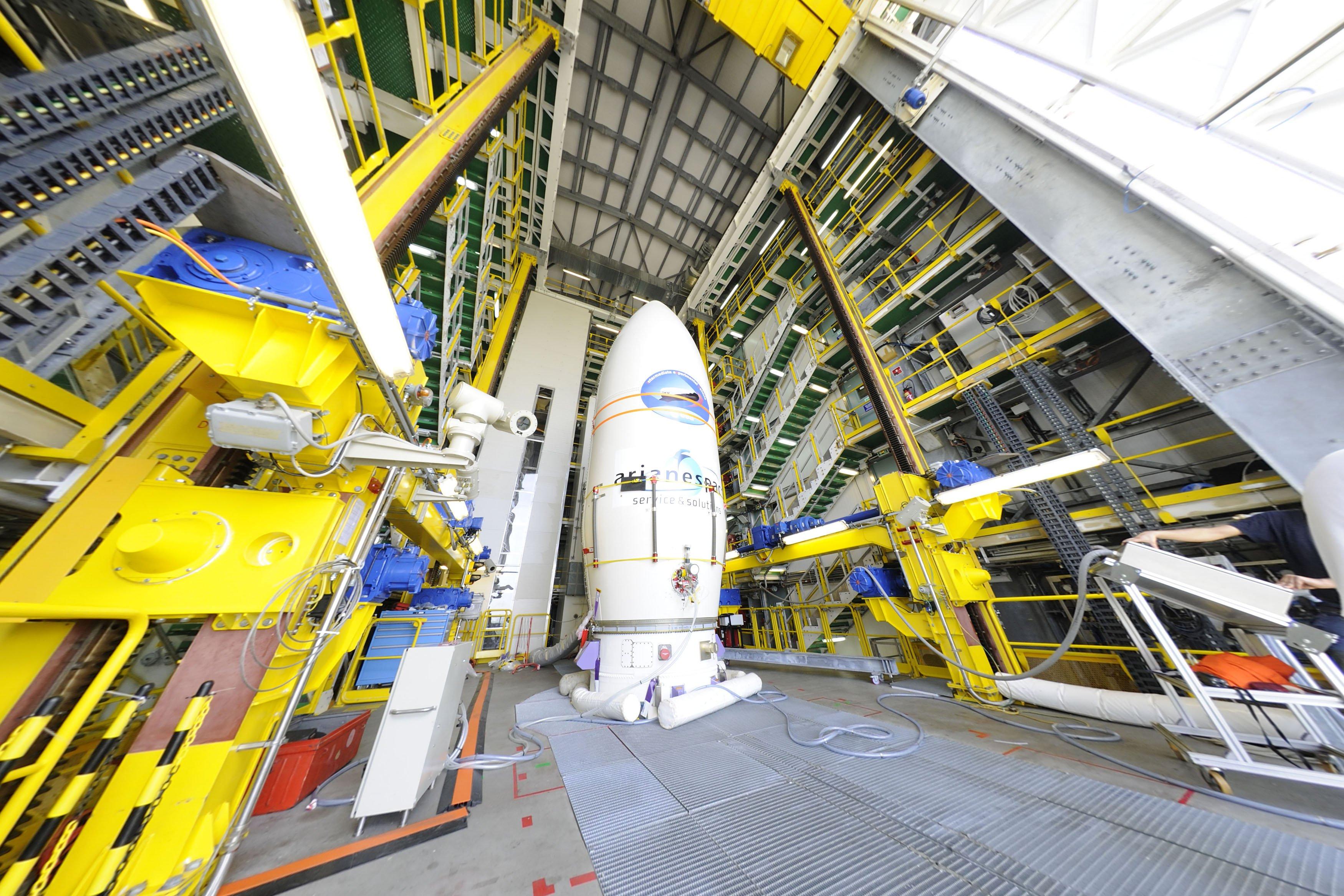 Der experimentelle Weltraumflieger IXV. Er wird mit einer Vega-Rakete ins All geschossen. Und soll unbeschadet wieder auf die Erde zurückkehren.