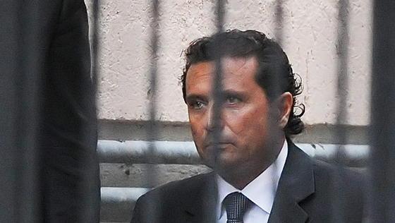 Francesco Schettino, Kapitän der 2012 havarierten Costa Concordia, wurde zu 16 Jahren Haft verurteilt. Seine Anwälte wollen in die Berufung gehen. Vorerst bleibt Schettino deshalb auf freiem Fuß.