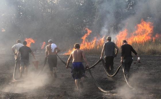 Norwegische Forscher warnen: Die Gefahr von Waldbränden rund um Tschernobyl steigt bedingt durch den Klimawandel. Bei den Feuern bilden sich radioaktive Wolken, die Strahlung kann so weite Teile Europas erreichen.