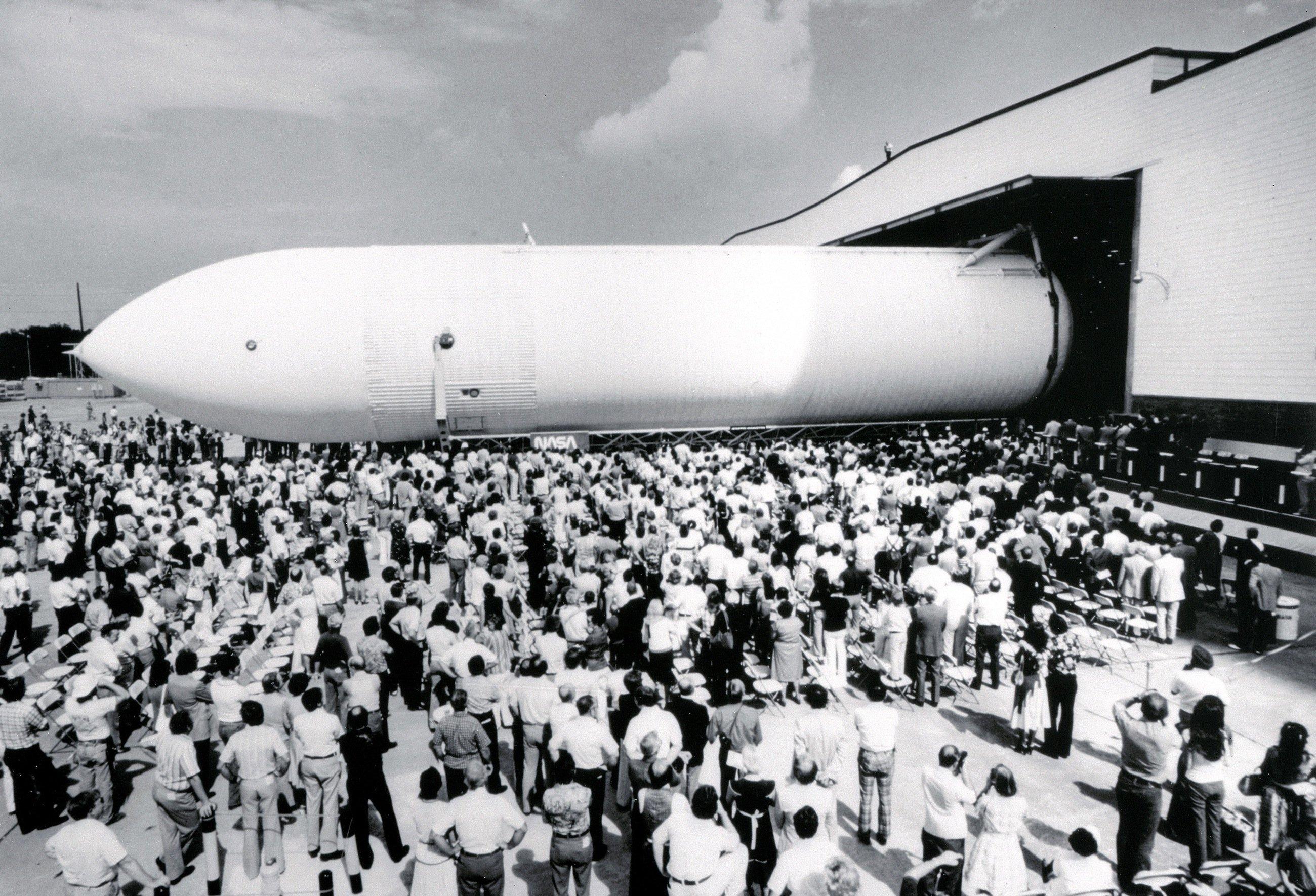 Außentank des ersten Space Shuttles bei der Präsentation 1977 in New Orleans: Die NASA hat Geräusche spektakulärer und historischer Ereignisse der Raumfahrt als Klingeltöne ins Internet gestellt.