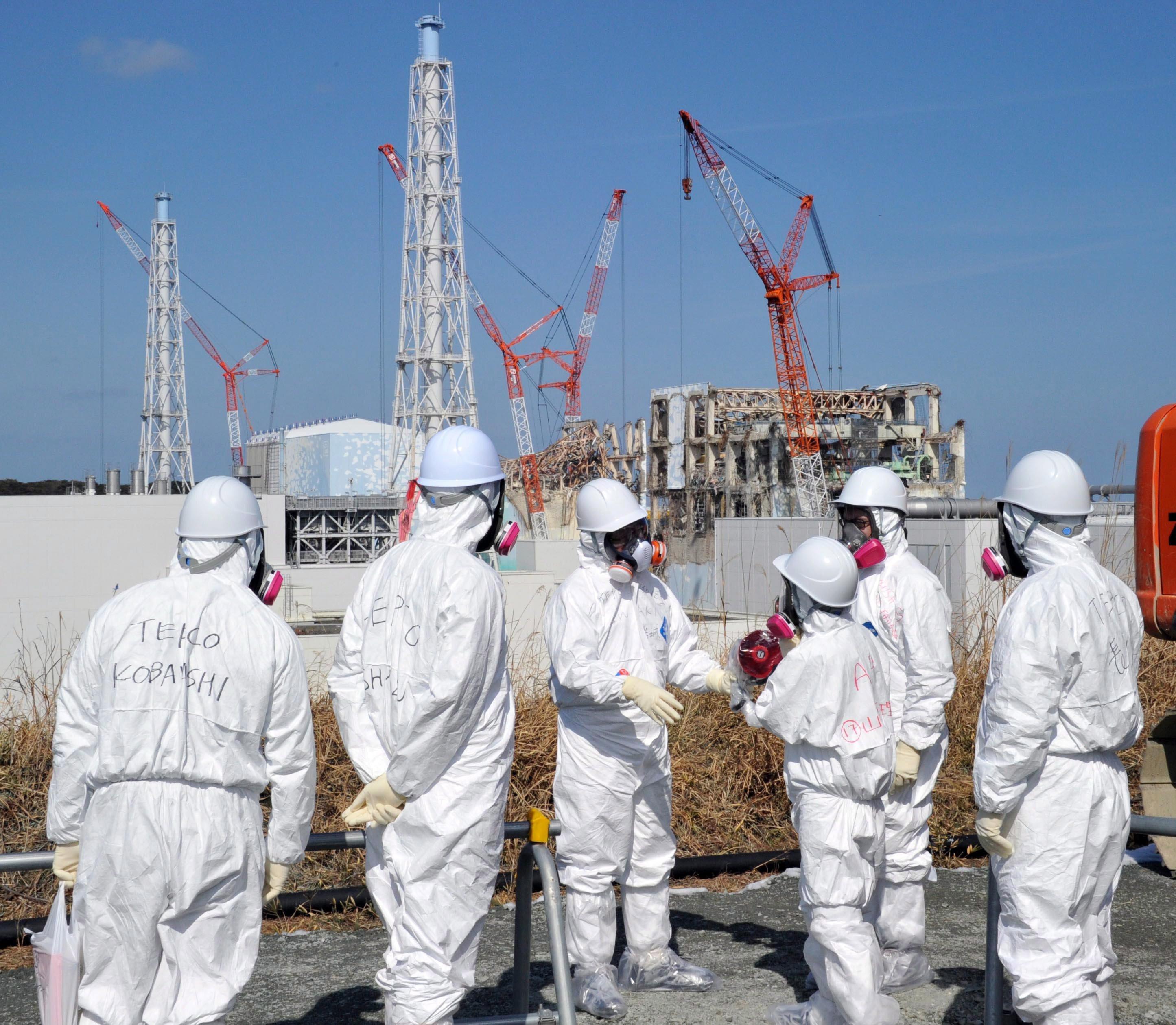 Beim Reaktorunfall im japanischen Fukushima fielen mit dem Strom auch die Wasserpumpen aus, die zur Kühlung der Brennstäbe eigentlich Tag und Nacht funktionieren müssen. Bei Schmelzsalzreaktoren soll die Kühlung hingegen unabhängig vom Strom funktionieren.