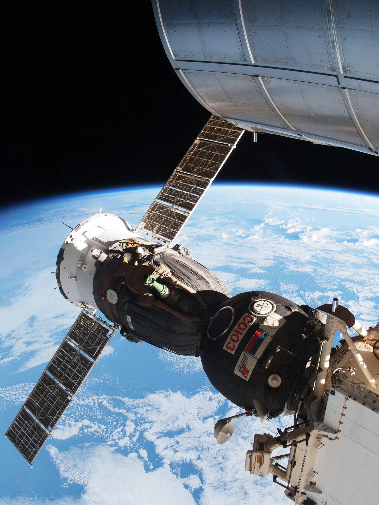 Sojus-Kapsel angedockt an der ISS: Russland verfügt mit der Sojus derzeit über die einzige Möglichkeit, Astronauten zur ISS zu bringen.