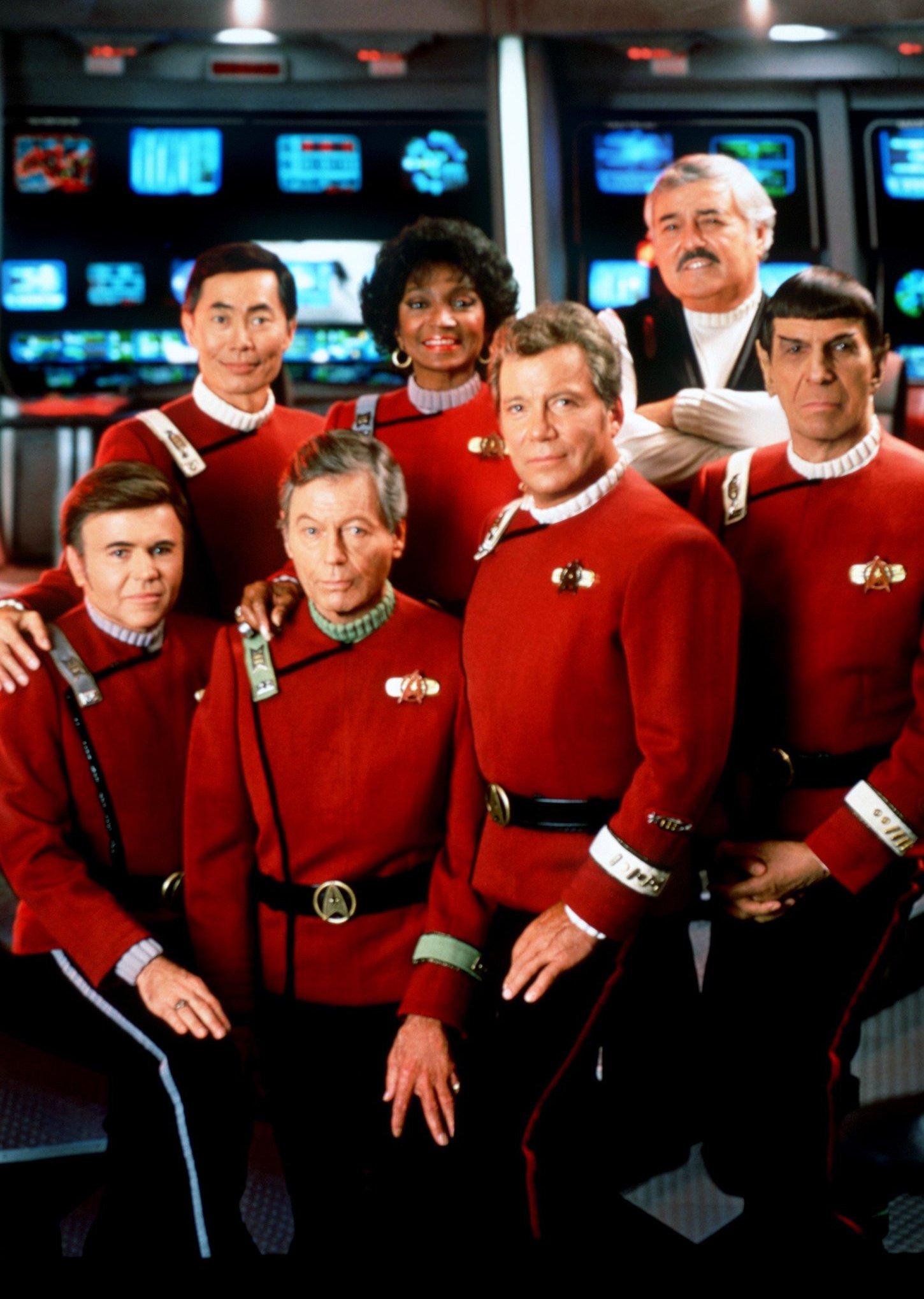 Die Crew des Raumschiff Enterprise in einer Szene des Films