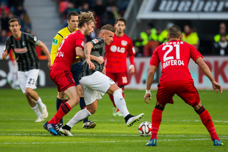 Bayer 04 Leverkusen gegen den SC Freiburg im Februar 2015 in der BayArena in Leverkusen: Der SC Freiburg soll früher als Zweitligistmindestens eine Anabolika enthaltende Medikamentenlieferung erhalten haben.