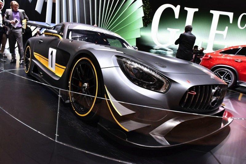 Da schlagen Männerherzen höher: derMercedes AMG GT3 auf dem Genfer Autosalon.
