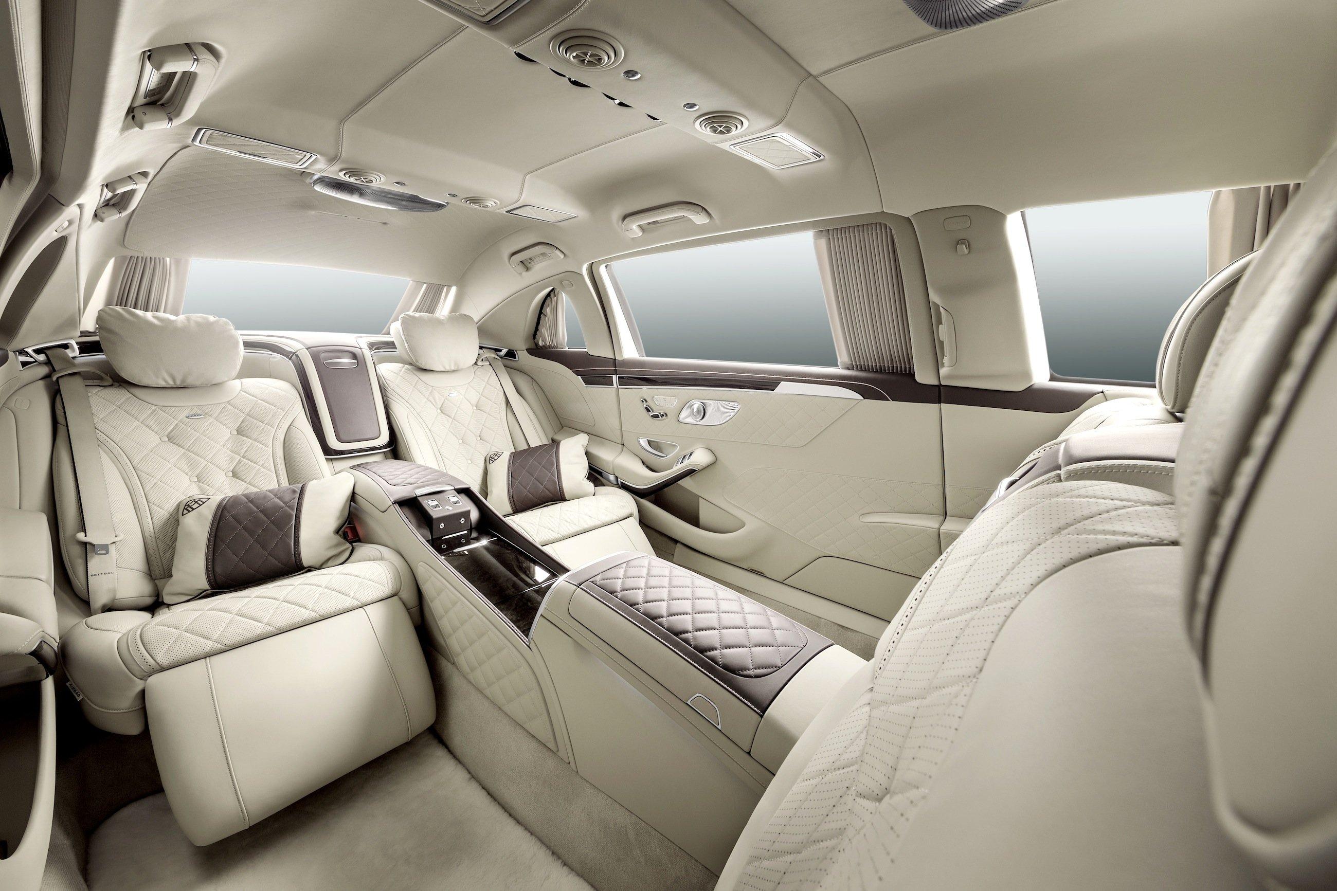 Luxus pur: Großzügiger Innenraum desMaybach S600 Pullmann.