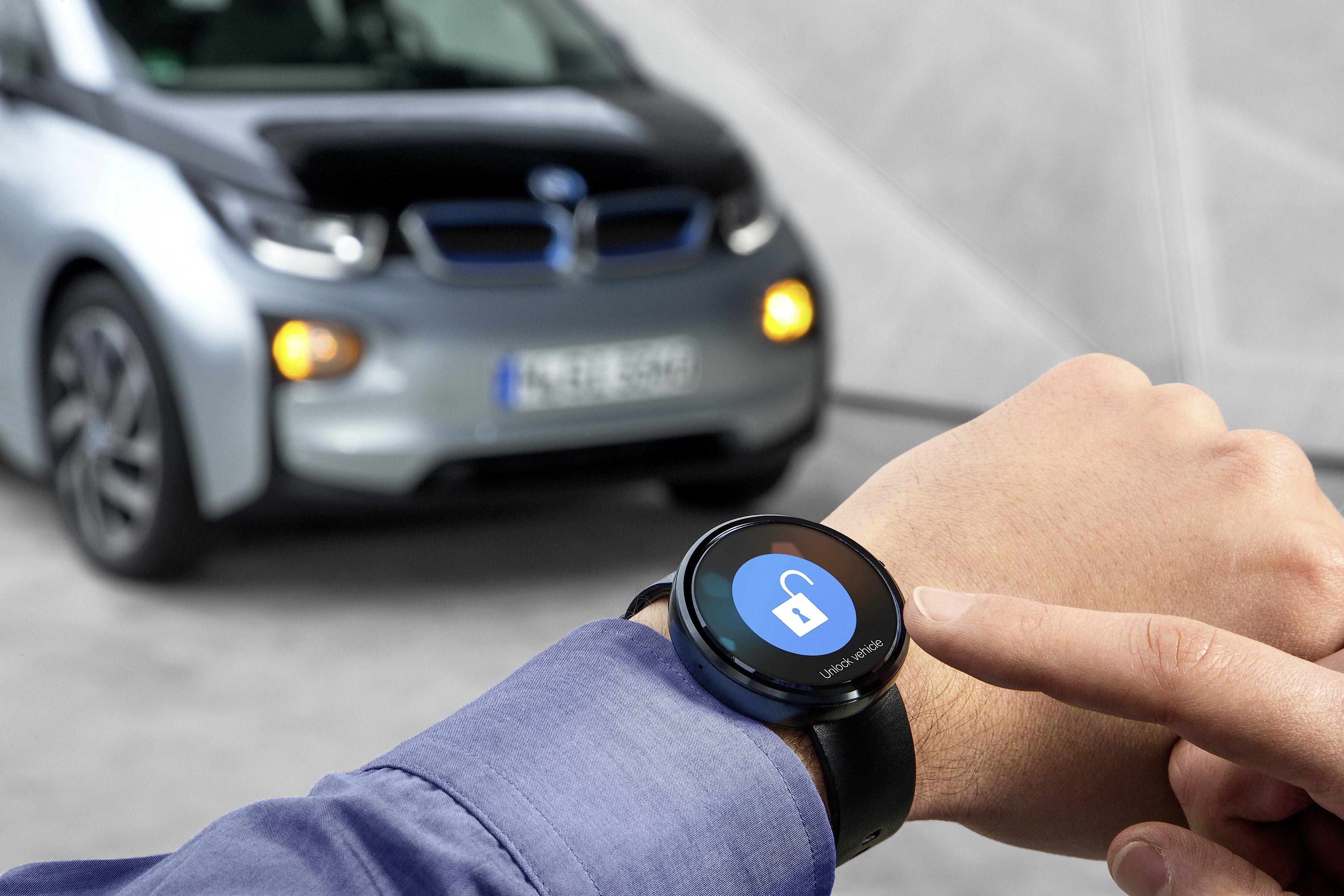 Steuerung des i3 über eine Smartwatch: Apple will Auto, Smartphone und Computer eng vernetzen.