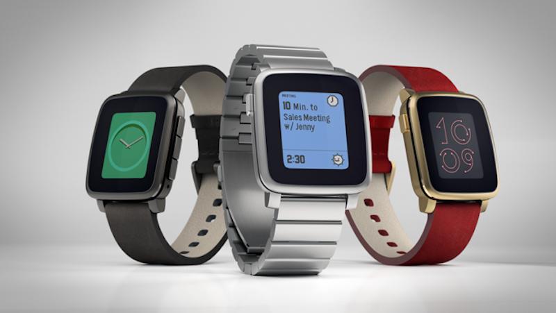Die E-Ink-Displays der Pebble-Smartwatch sind puristisch. Das allerdings spart Energie und ermöglicht eine Akkulaufzeit von bis zu zehn Tagen.