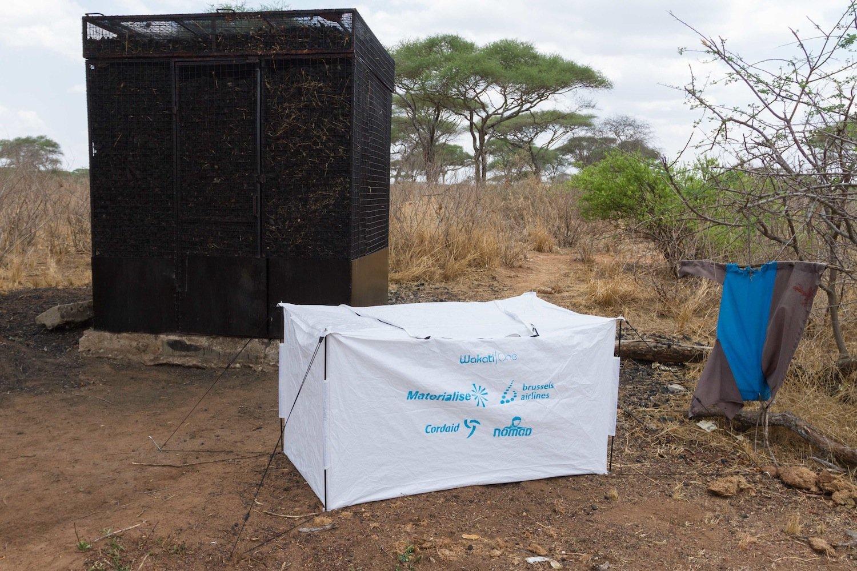 Das Kühlzelt kostet 100 US-Dollar und dürfte damit für die meisten Kleinbauern in Entwicklungsländern unerschwinglich sein. Pauwels Abnehmer dürften daher eher Entwicklungshilfeorganisationen sein.