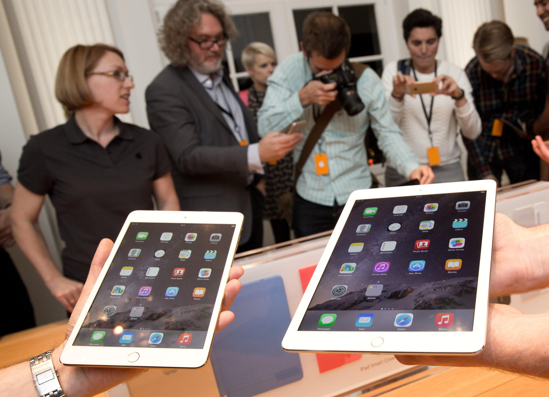 Beim Wasserschutz hinkt Apple anderen Herstellern aus der Branche wie Samsunghinterher. Zieht jetzt aber nach und will dafür beim Design keinerlei Abstriche machen.